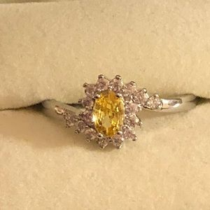 Jewelry - Yellow Stone Ring Size 9